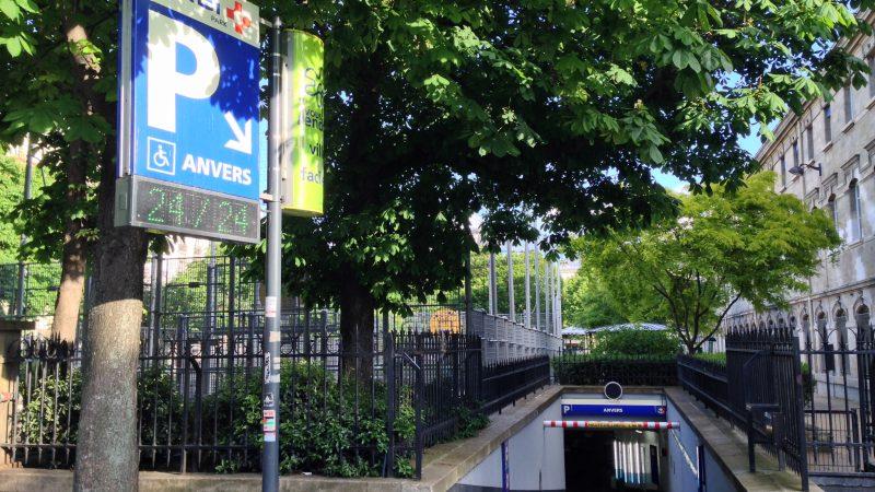 Wie finde ich ein Parkhaus in Paris?