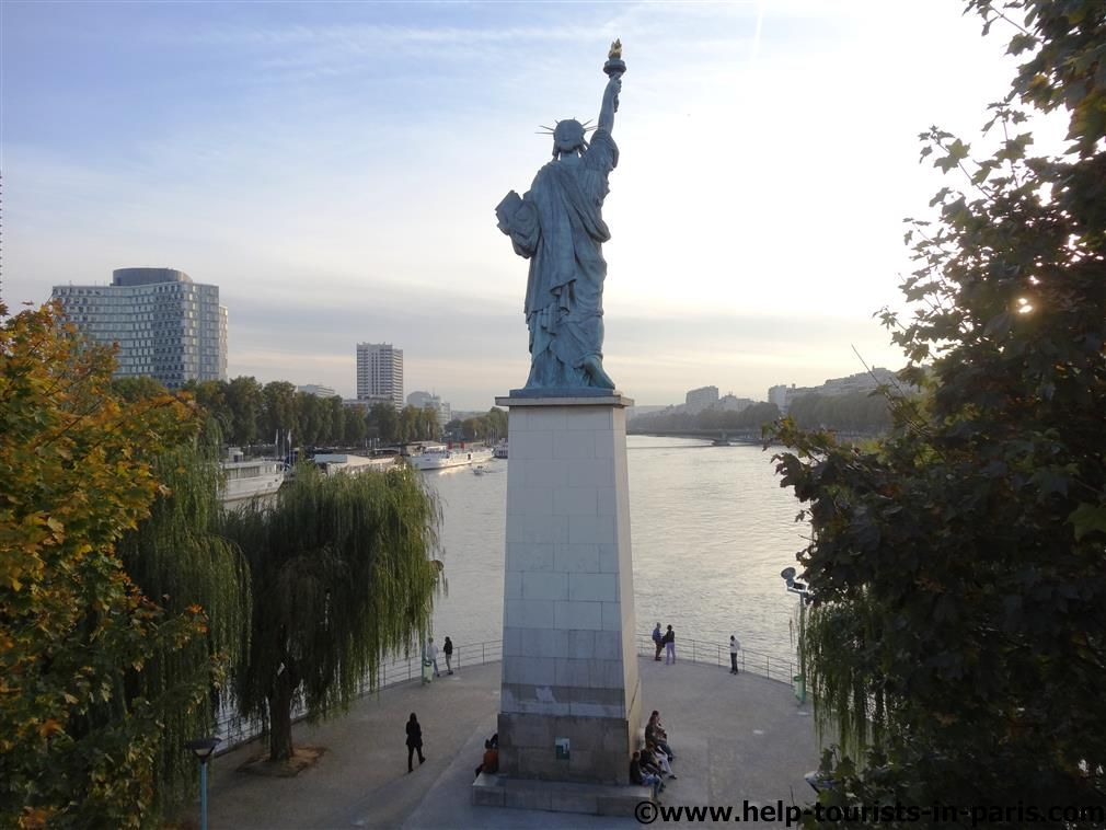 Die Pariser Freiheitsstatue