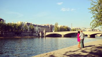 Romantischer Heiratsantrag in Paris