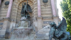 Fontaine Saint Michel in Paris besuchen