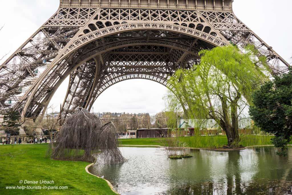 Eiffelturm Paris Garten