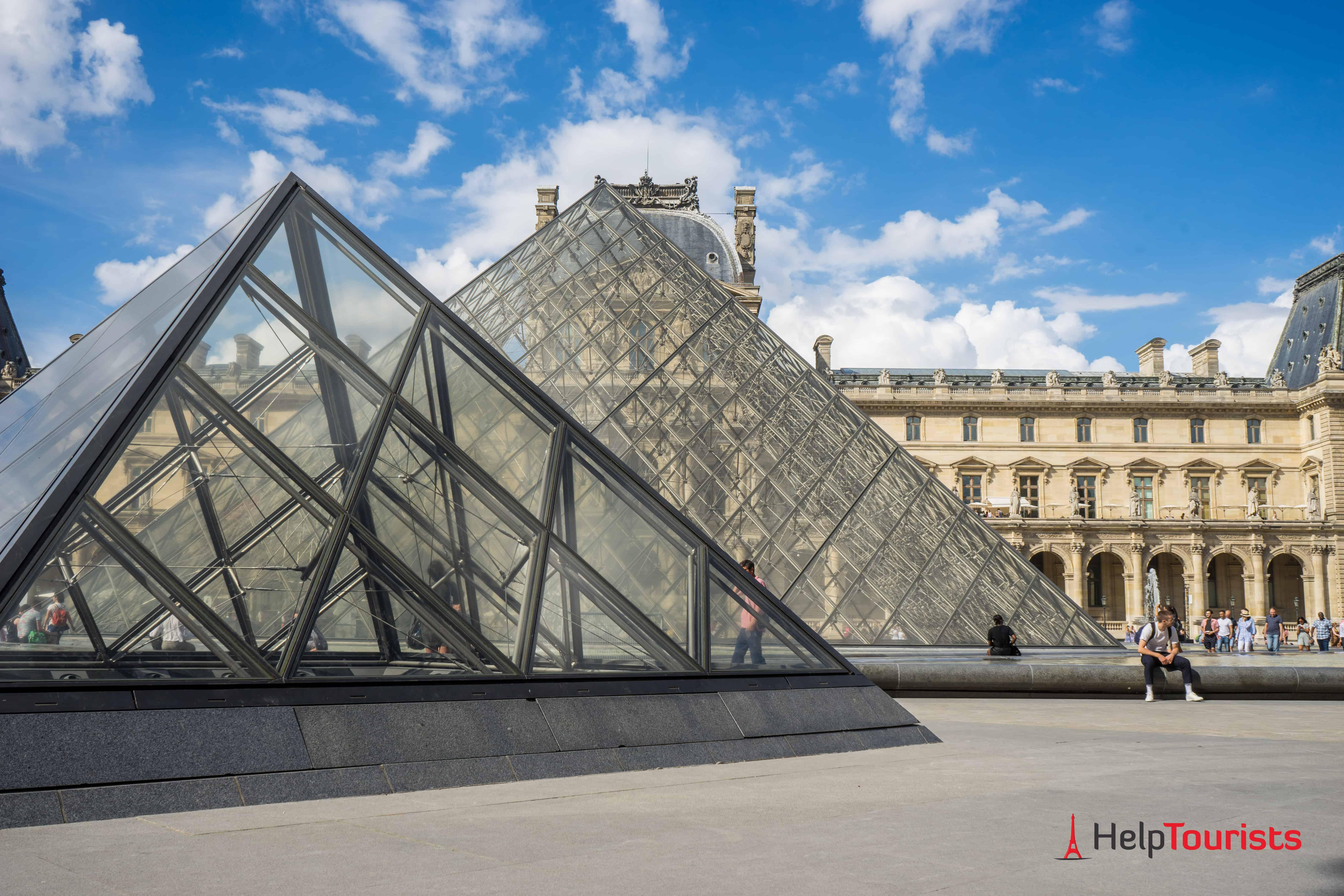 PARIS_Louvre_Glasdreiecke_l